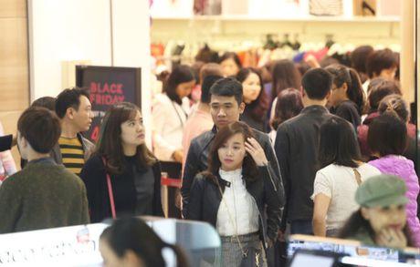 Black Friday: Nhieu cua hang dong cua, han che khach - Anh 4