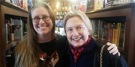Hillary Clinton tro lai cuoc song thuong nhat sau that bai tranh cu - Anh 2