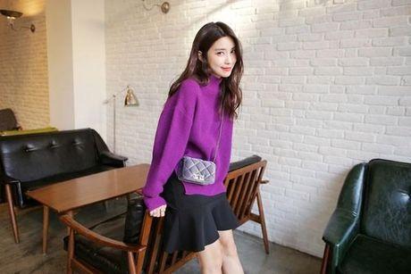 6 kieu mix chan vay len cuc chat cho nang cong so dau dong - Anh 8