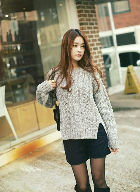 6 kieu mix chan vay len cuc chat cho nang cong so dau dong - Anh 9