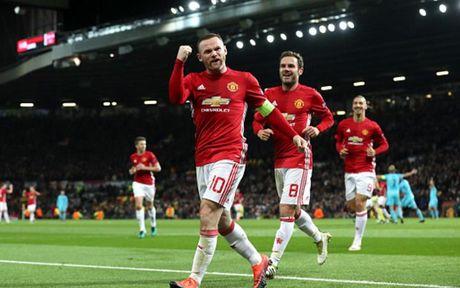 Cham diem MU 4-0 Feyenoord: Nga mu truoc Rooney - Anh 10