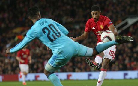 Cham diem MU 4-0 Feyenoord: Nga mu truoc Rooney - Anh 14