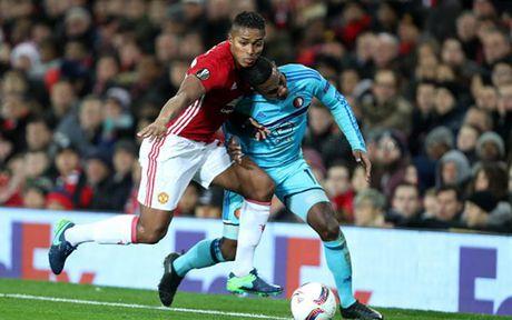 Cham diem MU 4-0 Feyenoord: Nga mu truoc Rooney - Anh 3