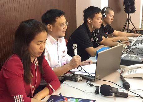 Hinh anh: Tong Bi thu Nguyen Phu Trong noi chuyen voi sinh vien Lao - Anh 11