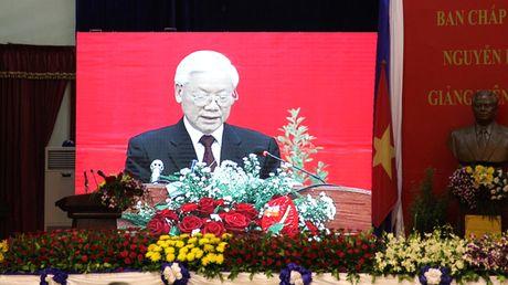 Hinh anh: Tong Bi thu Nguyen Phu Trong noi chuyen voi sinh vien Lao - Anh 8