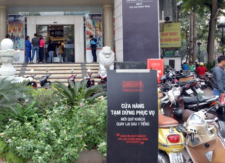 Nguoi Ha Noi chen chuc mua sam trong ngay Black Friday 2016 - Anh 13