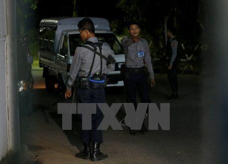 Canh sat Myanmar bat 3 nghi can dinh liu loat vu no o Yangon - Anh 1
