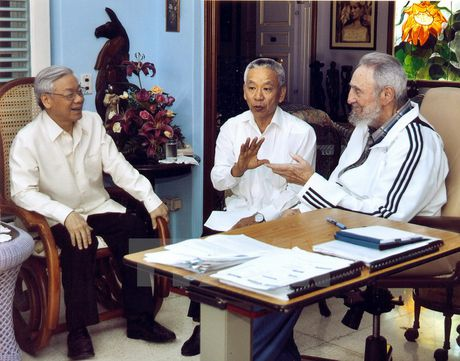 Lanh tu Fidel Castro va tinh cam keo son voi Viet Nam - Anh 11