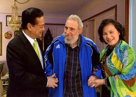 Lanh tu Fidel Castro va tinh cam keo son voi Viet Nam - Anh 12
