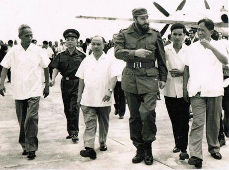 Lanh tu Fidel Castro va tinh cam keo son voi Viet Nam - Anh 1