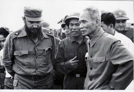 Lanh tu Fidel Castro va tinh cam keo son voi Viet Nam - Anh 3