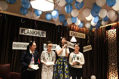 Lan Khue khoc nuc no vi duoc fans tang qua dac biet - Anh 4