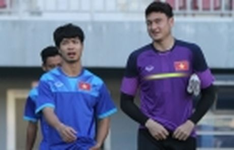 Diem tin sang 26/11: Martial bi Mourinho 'nan gan'; Cong Phuong san sang chien Campuchia - Anh 2