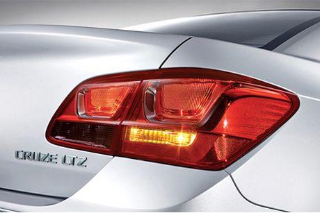 Chevrolet Cruze 2016 ban nang cap gia 589 trieu tai VN - Anh 4