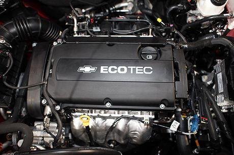Chevrolet Cruze 2016 ban nang cap gia 589 trieu tai VN - Anh 8