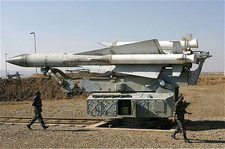 Bat ngo: Syria khoi phuc ten lua S-200, My-Israel 'lanh gay' - Anh 1