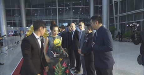 Dan sao Viet long lay, noi bat tren tham do WebTVAsia Awards 2016 - Anh 1