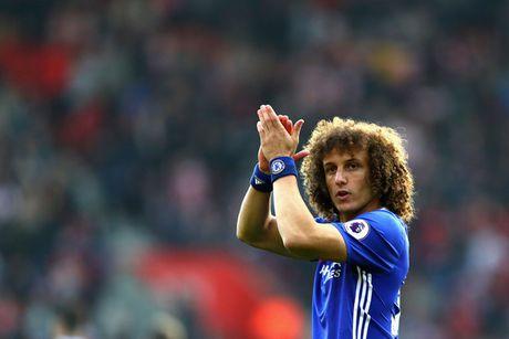 'David Luiz da tro thanh Beckenbauer moi cua Chelsea' - Anh 1
