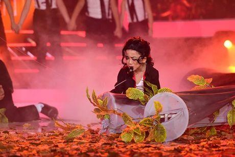 Thay tro Vu Ha – Diep Nhi khien Hoai Linh cuoi ngat khi hoa than thanh Siu Black - Anh 12