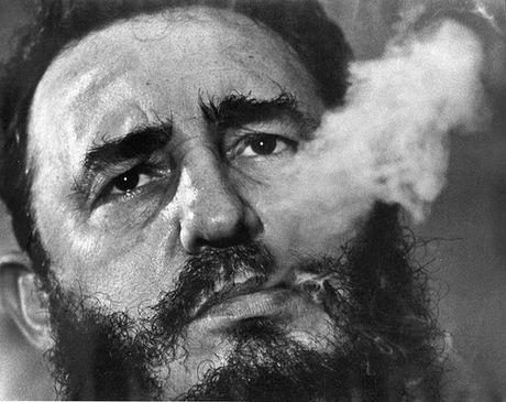 Cuoc doi in vao lich su cua lanh tu Fidel Castro - Anh 6