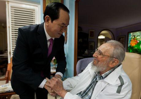 Viet Nam chia buon lanh tu Fidel Castro tu tran - Anh 1