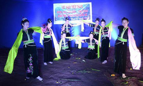 Ron rang Tet Hoa cung dong bao Cong - Anh 4