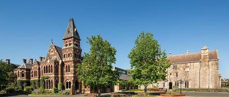 Trinity College - con duong buoc den dai hoc tai Australia - Anh 1