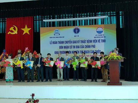 Benh vien Da khoa Quang Tri nhan goi chuyen giao tu BV trung uong Hue - Anh 1