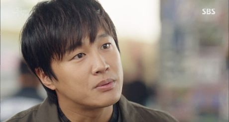 Huyen thoai bien xanh tap 4: Tien ca nhay vo lay Lee Min Ho khi gap tinh dich - Anh 1