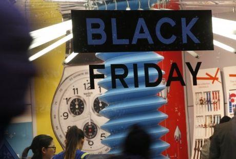 Black Friday: Nguoi tieu dung Anh chi gan 1,3 ty bang de mua sam - Anh 1