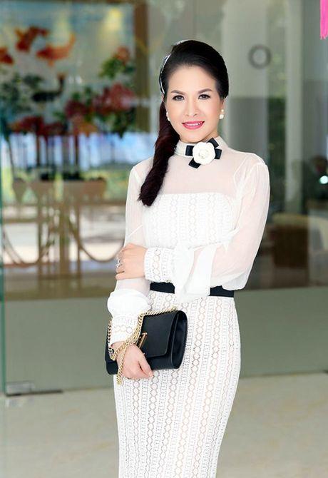Hoa hau Le Thanh Thuy: Lam giam khao, toi kho tinh va ap luc vo cung - Anh 2