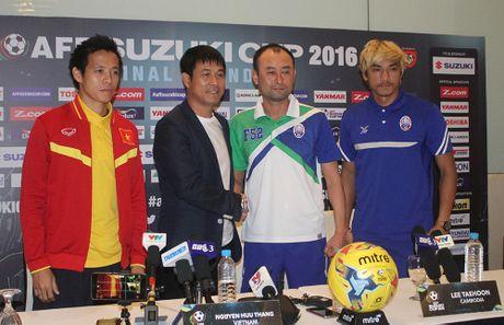 AFF Cup 2016: HLV Huu Thang bo ngo co hoi ra san cua Cong Phuong trong chieu nay - Anh 4