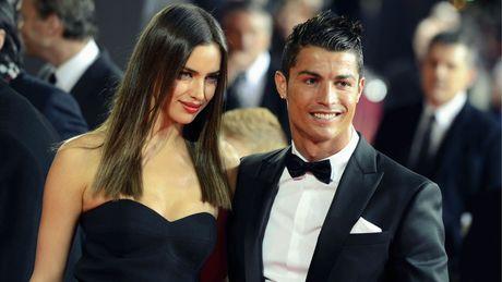 Tinh cu Ronaldo tung bo anh bikini sexy den nghet tho de mung Giang sinh - Anh 2