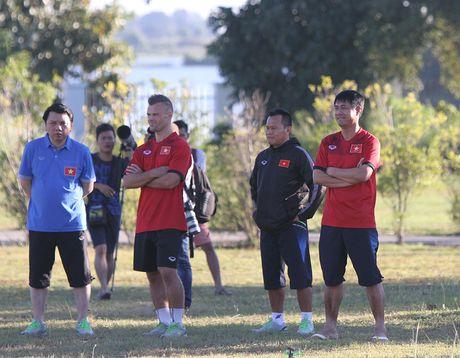 AFF Cup 2016: Tuyen Viet Nam gap bat loi voi dieu le giai - Anh 2