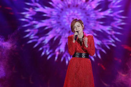 Dong Nhi khuay dong Le trao giai Qua Chuong Vang 2016 - Anh 5