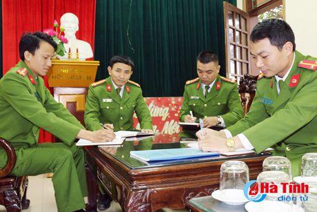 Gap nhung chien sy cong an chuyen gianh lai mang nguoi tu mieng ha ba - Anh 1