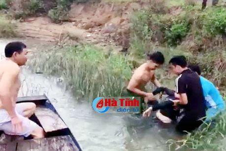 Gap nhung chien sy cong an chuyen gianh lai mang nguoi tu mieng ha ba - Anh 2