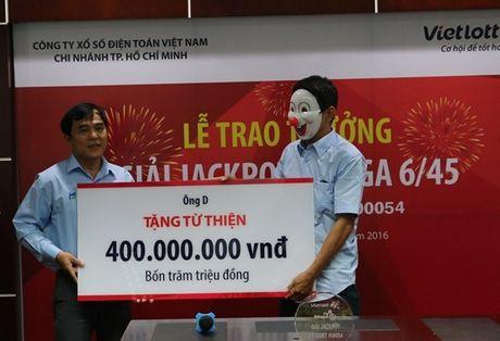 Nguoi trung xo so doc dac 56 ty danh 400 trieu ung ho mien Trung - Anh 1