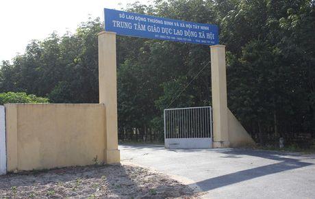 Truy tim hang chuc hoc vien cai nghien bo tron o Tay Ninh - Anh 1