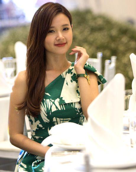 Ngam dan my nhan khoe vay ao sexy - Anh 3