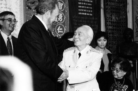 Chu tich Fidel Castro - Nguoi ban lon cua nhan dan Viet Nam - Anh 12