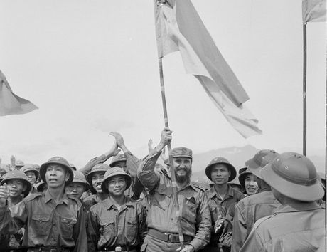 Chu tich Fidel Castro - Nguoi ban lon cua nhan dan Viet Nam - Anh 3
