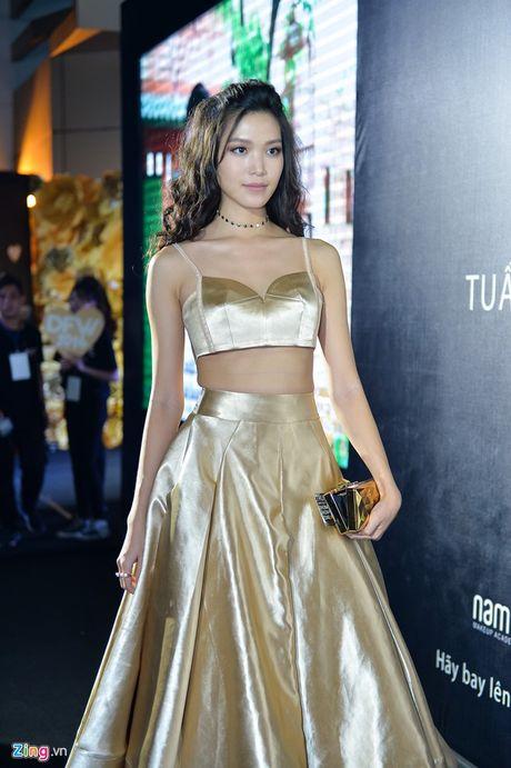 Tran Thanh tiet lo Hari Won bi tram cam nang tung muon tu tu, cau xin duoc 'buong tha' - Anh 10