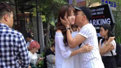 Tran Thanh tiet lo Hari Won bi tram cam nang tung muon tu tu, cau xin duoc 'buong tha' - Anh 1