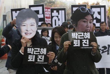 So phan Tong thong Park Geun-hye sau be boi chan dong Han Quoc - Anh 1