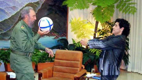 Fidel Castro, nha cach mang ham hoc hoi, thich luot web - Anh 3
