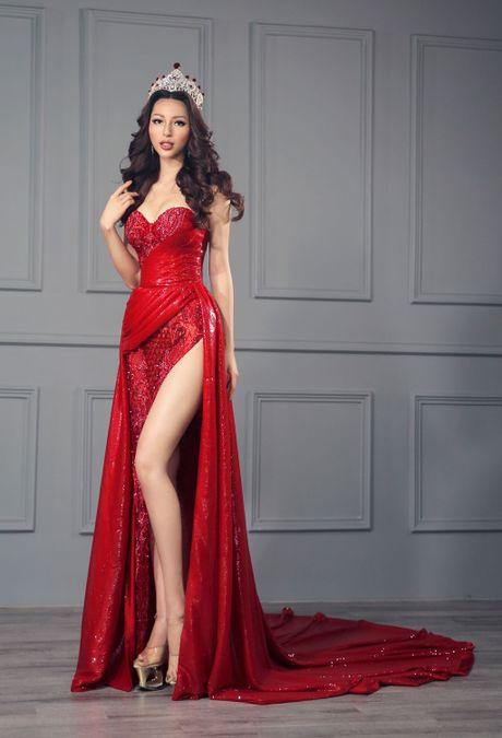 Kha Trang khoe trang phuc da hoi goi cam - Anh 5