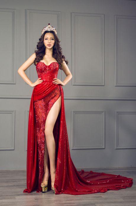 Kha Trang khoe trang phuc da hoi goi cam - Anh 6
