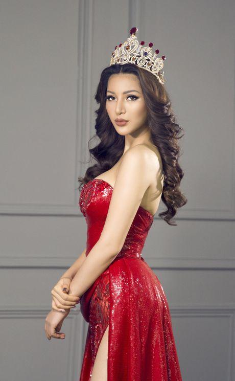Kha Trang khoe trang phuc da hoi goi cam - Anh 7