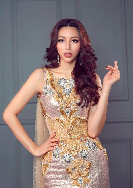 Kha Trang khoe trang phuc da hoi goi cam - Anh 8
